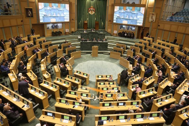 لجان نيابية تناقش مشاريع قوانين