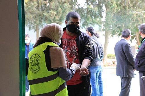جامعة الزيتونة تستمر باستقبال المواطنين لتلقي لقاح كورونا