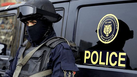 مصر: ضبط متهمين بحوزتهم أطنان من خام الذهب
