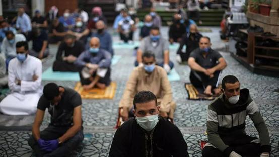 السماح بصلاة الجمعة في الاردن