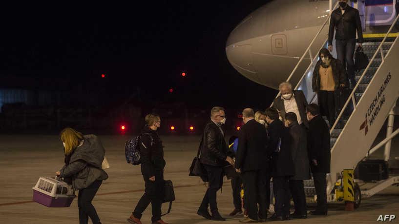 التشيك تهدد بطرد جميع الدبلوماسيين الروس