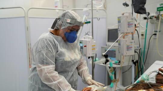 3321 وفاة جديدة بكورونا في البرازيل