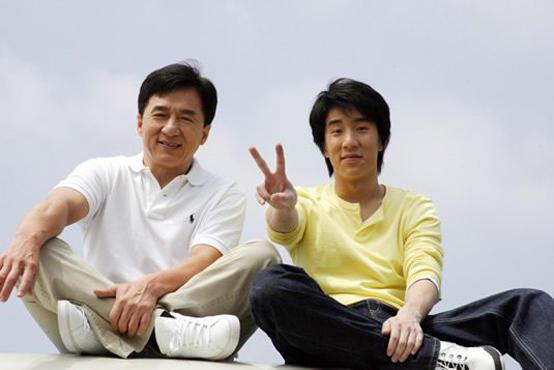 جاكي شان يحرم ابنه الوحيد من 350 مليون دولار
