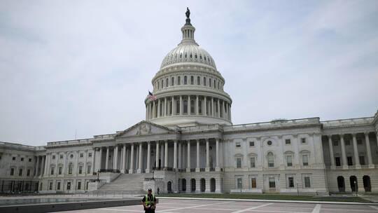 المصادقة على مشروع قانون أميركي للحد من بيع الأسلحة للسعودية