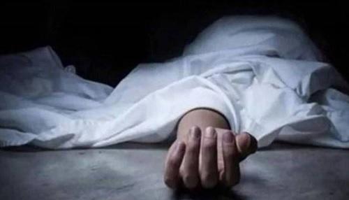 مصري يسدد 20 طعنة قاتلة لزوجته ويسلم نفسه