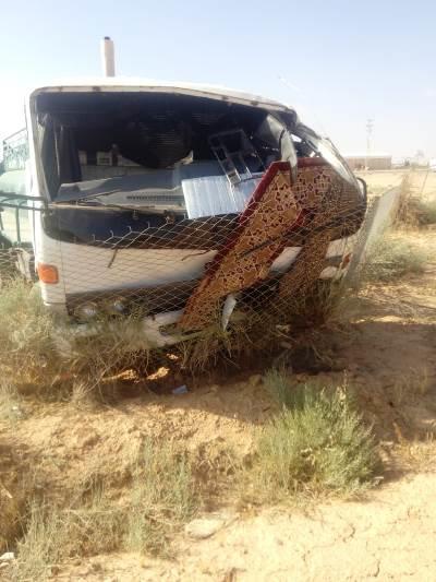 16 إصابة بحادث تصادم على طريق الخالدية