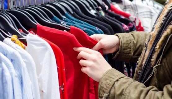 تجار الألبسة: تحسن محدود