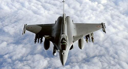 الدفاع الفرنسية تعلق على صفقة بيع 30 طائرة لمصر