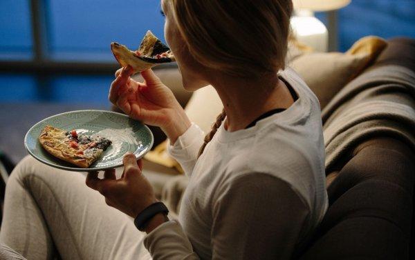 الخيارات الصحيحة عند الشعور بالجوع ليلا