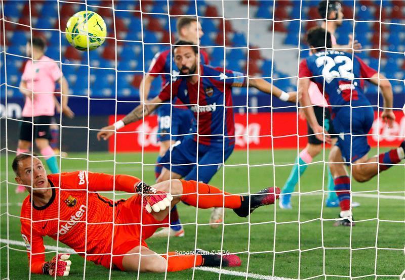ريمونتادا ليفانتي تُحبط برشلونة وتشعل الليجا