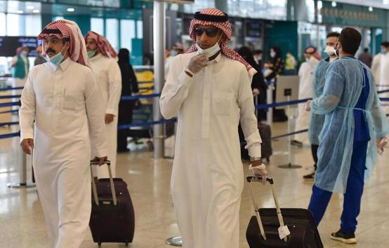 السعودية تمدد قيود السفر إلى 13 دولة
