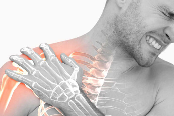 الكتف المتجمد.. أسبابه وأعراضه وطرق علاجه