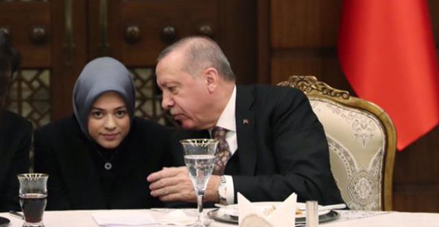 أردنية تتصدر المشهد في قمة أردوغان وبايدن - صور