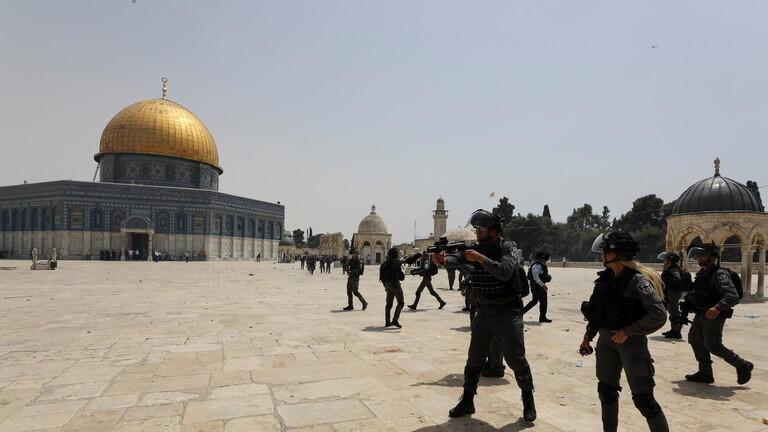 موقع خبرني : 61 مستوطنا يقتحمون باحات المسجد الأقصى