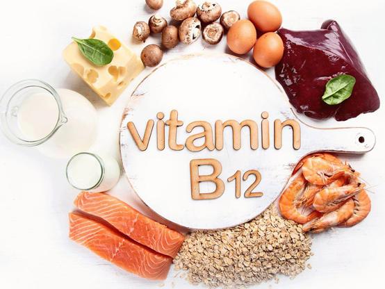 علامات على الوجه تدل على نقص فيتامين B12!