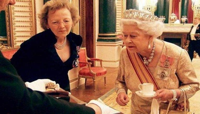 شاي إليزابيث ينهي أولى محطات بايدن الخارجية