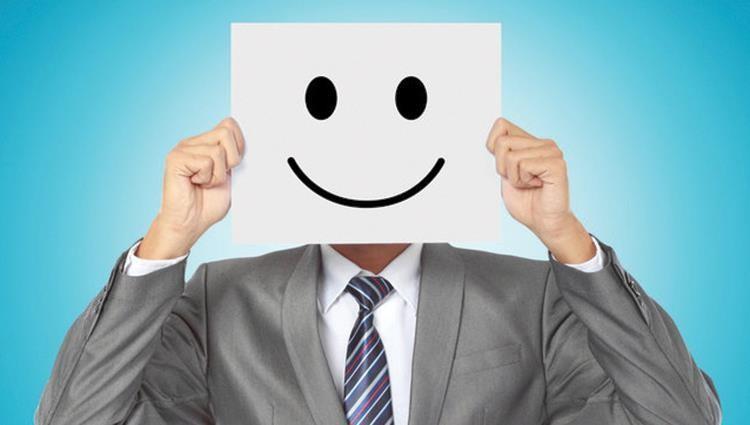 طرق تجعل الموظف سعيدا في عمله