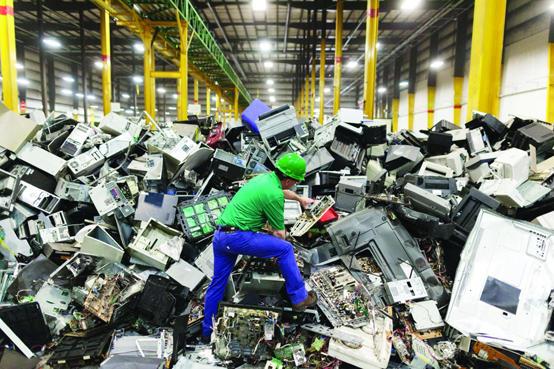 البيئة تعلن تعليمات إدارة النفايات الكهربائية والإلكترونية