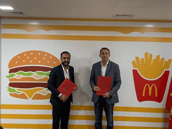 اتفاقية بين ماكدونالدز الأردن ودار أبو عبدالله لتشغيل 500 أردني