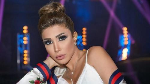 بالدموع.. أروى تتحدث عن نقص الأدوية في لبنان - فيديو