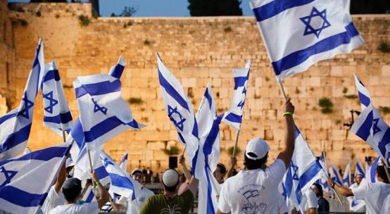 انطلاق مسيرة الأعلام .. وإصابات في القدس