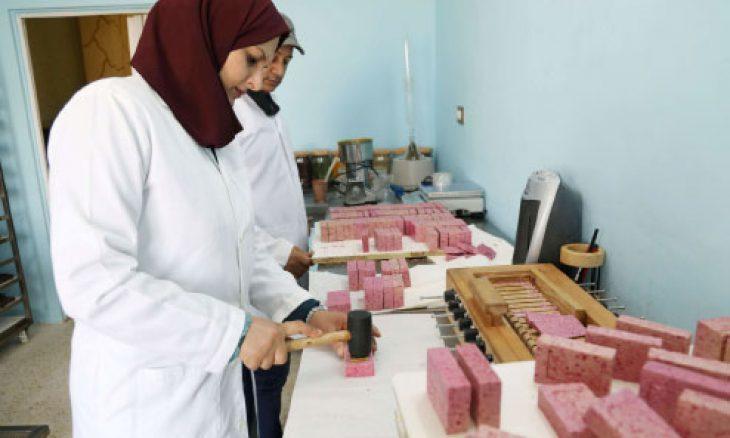 أردنية تنتج صابوناً من حليب الإبل