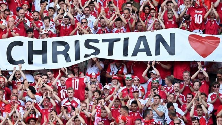 مشهد إنساني دعما لإريكسن خلال مباراة الدنمارك وبلجيكا - فيديو