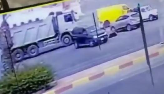مصر.. رجل يدهس امرأة انتقاماً لسبب صادم