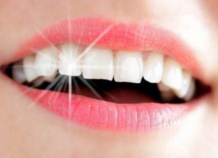 كلمة السر الكركم.. طرق طبيعية لتبييض الأسنان