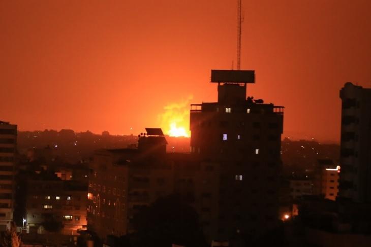 طائرات الاحتلال تستهدف موقعا شمال قطاع غزة