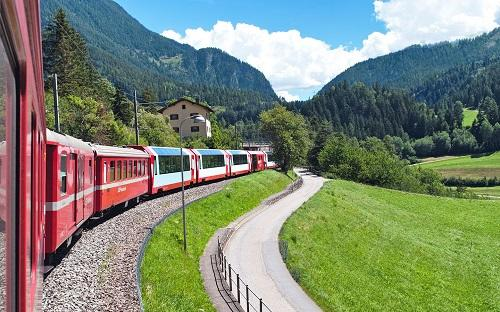 الشرطة السويسرية تخلي قطارا من الركاب إثر ورود تهديد