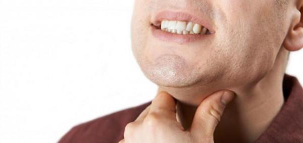 أنجح الطرق لعلاج احتقان الحلق دون أدوية
