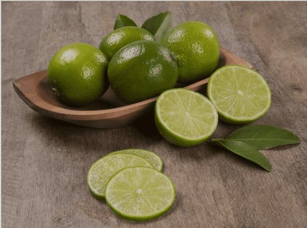 إليك فوائد الليمون الأخضر للنساء