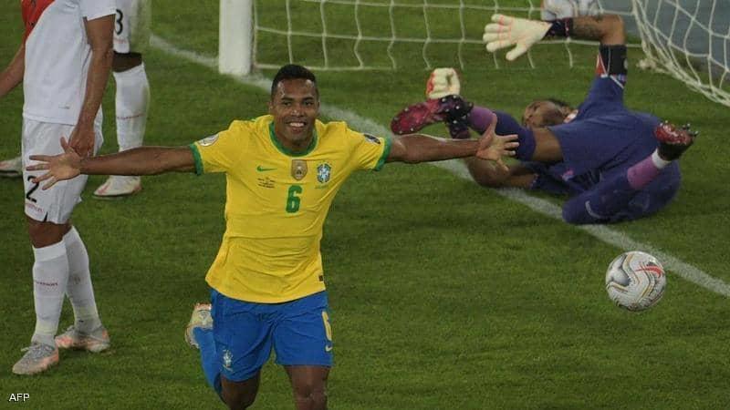 البرازيل تواصل عزف أنغام السامبا