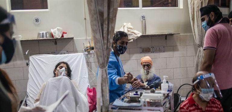 بسبب الفطر الأسود.. اقتلاع أعين الأطفال في الهند
