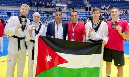 لاعبو منتخب عمان الأهلية للتايكواندو يحصدون 3 ميداليات بالبطولة الآسيوية