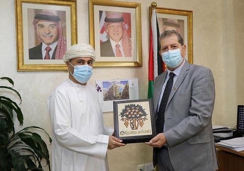 مباحثات بين عمان العربية والملحقية الثقافية العُمانية