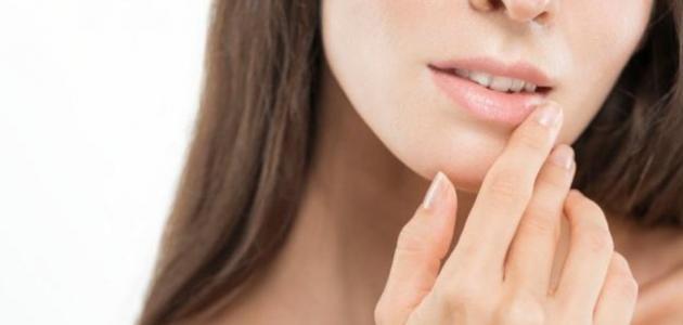 ماسكات لإزالة السواد حول الفم