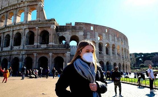 إيطاليا تلغي إلزامية الكمامات في الهواء الطلق