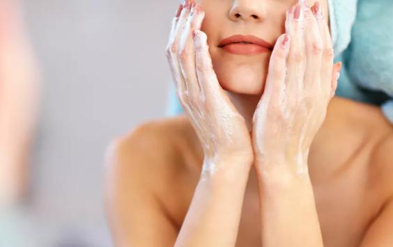 اكتشاف سر تجاعيد الوجه وجراحة جديدة لعلاجها