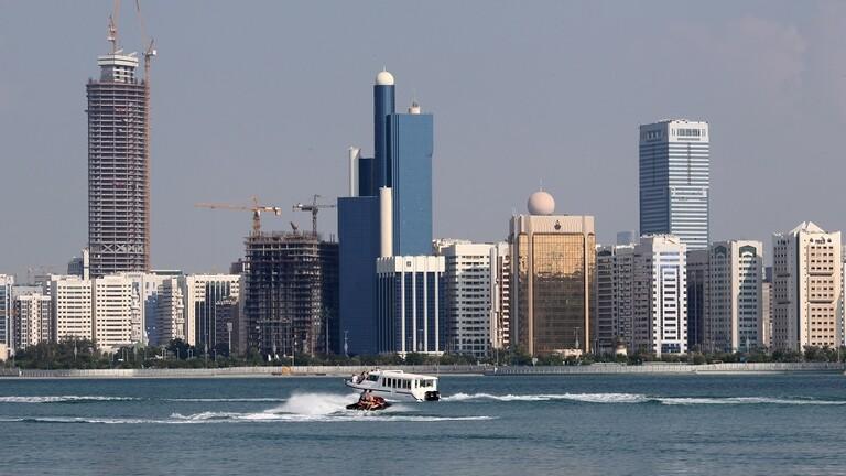 أبو ظبي: السائحون لن يحصلوا على لقاحات كورونا