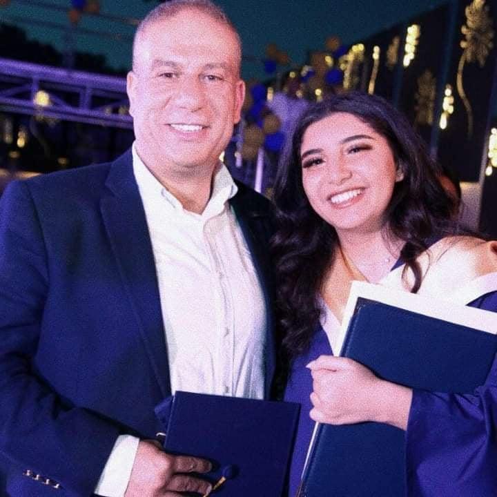 الطالبة نور عمر ابو عمر مبروك التخرج