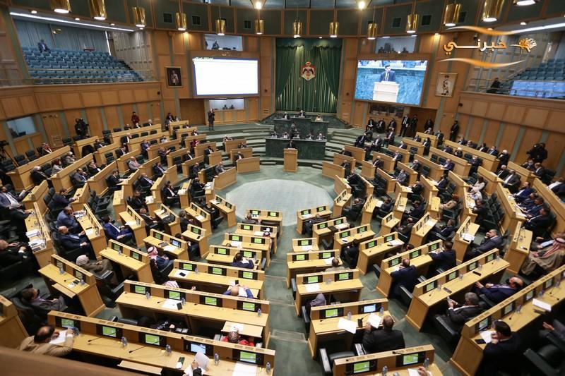 ترجيح عقد دورة برلمانية استثنائية مطلع آب