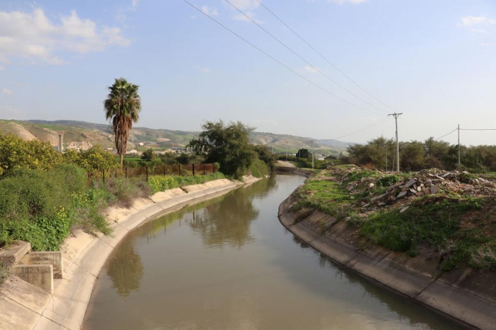 البحث عن فتاة غرقت بقناة الملك عبدالله