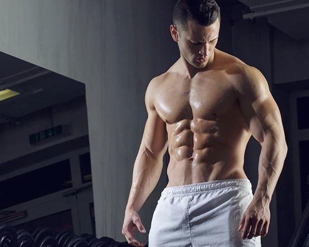 ما أفضل وقت لتناول البروتين وبناء صحة العضلات؟