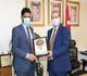 بحث سبل التعاون بين (عمان العربية) وسفارة سلطنة