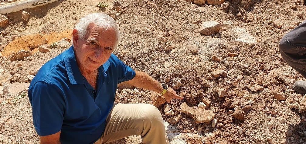 عالم آثار يعلق على العثور على رفات الجندي الاردني