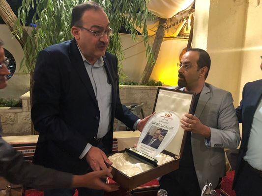 بعد 30 عاما من العطاء... أبو عبيد يودع الإذاعة والتلفزيون
