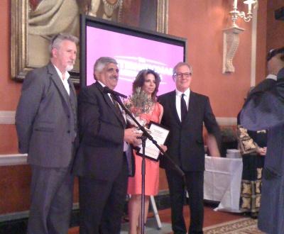 داود كتاب يفوز بجائزة السلام في لندن